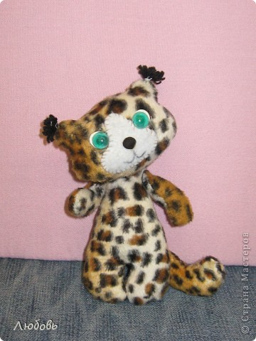 Леопардик из семейства кошачих. Работа Юли (4 кл). фото 1