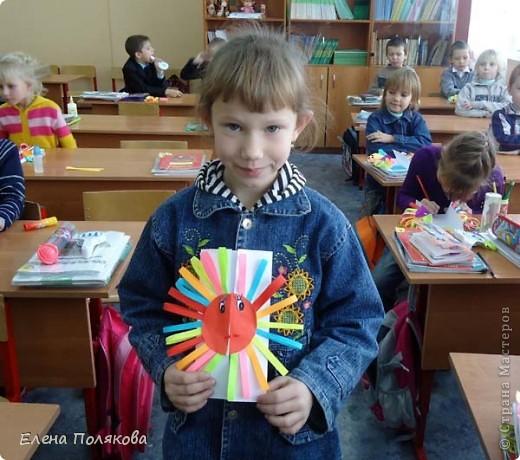 Так понравилась идея с солнышками на дисках Надежды Каликовой, что я решила ее немного переработать и сделать с детьми такие открытки ко Дню Матери. фото 13