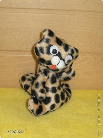 Леопардик из семейства кошачих. Работа Юли (4 кл). фото 2