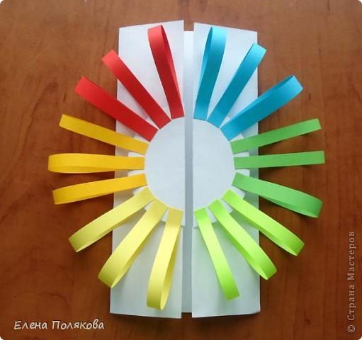 Так понравилась идея с солнышками на дисках Надежды Каликовой, что я решила ее немного переработать и сделать с детьми такие открытки ко Дню Матери. фото 5