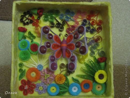 Еще одна мини картина.Бабочку также повторила с сайта paperdv.ru Мне просто там нравятся бабочки,жаль,что нет там М.К., но все же у меня получилась она. фото 1