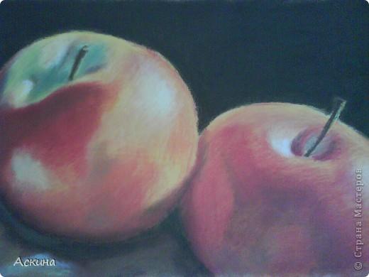 Это мой первый рисунок пастелью. Рисовала по самоучителю. фото 5