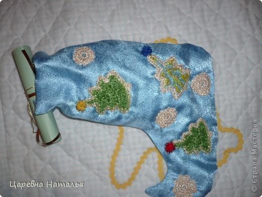 вот такие новогодние сапожки в смешанной технике получили учителя моей дочки на новый год два года назад (а внутри конфеты) фото 6