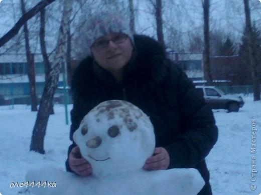 На улице,красота!Вчера целый день шёл снег,а сегодня +2.Не смогли с сыном долго наблюдать из окни,как резвится детвора...И вот,что у нас получилось! фото 4