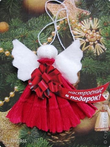 Новый год - самый любимый праздник, он из детства. Не только елка, подарки, Дед Мороз, но и особое чувство предвкушения очередного этапа жизни, который будет полон удивительными событиями, только заверни за этот календарный угол. А мы с вами заглянем в дверь и посмотрим как живет самый главный герой праздника и куда это он собрался. Итак... фото 27