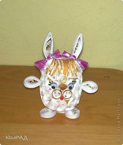 Зайчик, которого мы с доченькой сделали из коробочки от Киндера))) фото 3