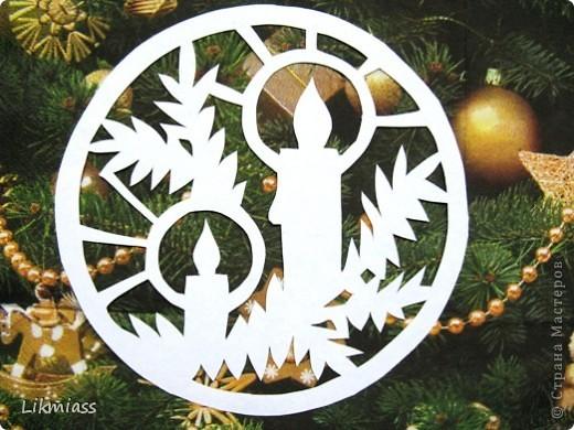Вальс снежинок за окном, ожидание праздника и чуда - верные приметы декабря. Создать у себя дома сказочную атмосферу не так уж и сложно ,а для этого понадобятся нам свечи. Свечи самые разные- резные и восковые, в праздничном декупаже, или просто белые.  фото 2