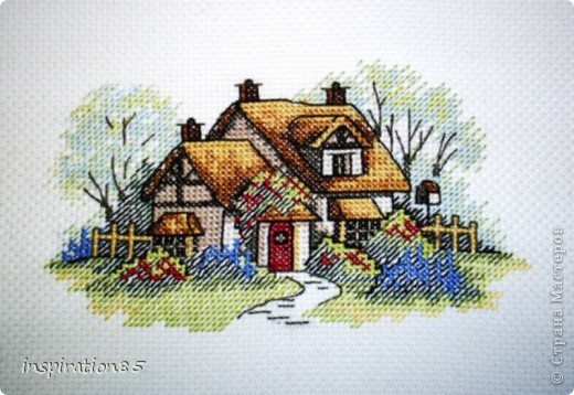 Дом моей мечты Садик под окном Расцвели цветы Серебристым сном Дом моей мечты Встреть и обогрей В доме я и ты И полно друзей