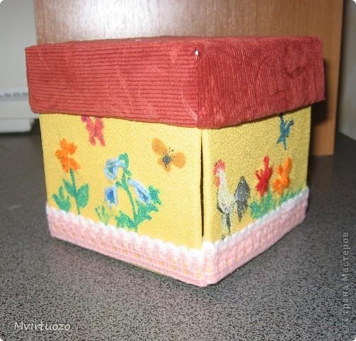 Вот и я, увидев у Olisa коробочку для рукоделия, сделала похожую для маленькой рукодельницы 7-ми лет от роду. :) Надеюсь ей понравится и пригодится. фото 2