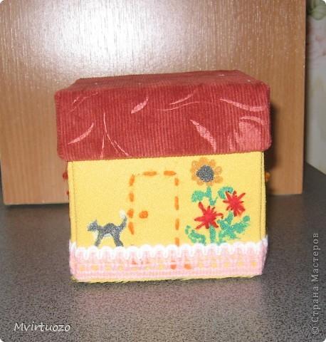 Вот и я, увидев у Olisa коробочку для рукоделия, сделала похожую для маленькой рукодельницы 7-ми лет от роду. :) Надеюсь ей понравится и пригодится. фото 3