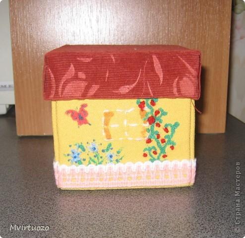 Вот и я, увидев у Olisa коробочку для рукоделия, сделала похожую для маленькой рукодельницы 7-ми лет от роду. :) Надеюсь ей понравится и пригодится. фото 4