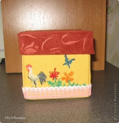 Вот и я, увидев у Olisa коробочку для рукоделия, сделала похожую для маленькой рукодельницы 7-ми лет от роду. :) Надеюсь ей понравится и пригодится. фото 5