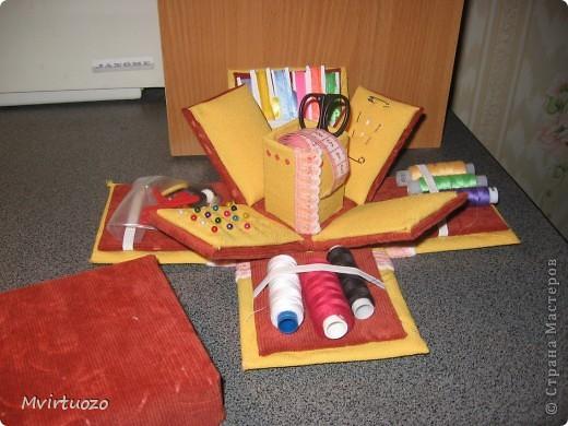 Вот и я, увидев у Olisa коробочку для рукоделия, сделала похожую для маленькой рукодельницы 7-ми лет от роду. :) Надеюсь ей понравится и пригодится. фото 1