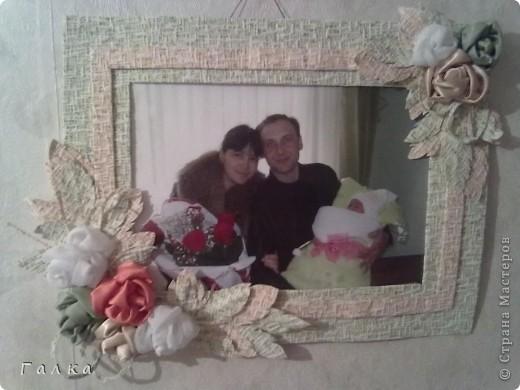 Рамочка для фоточки-основа-обои,декор-скорлупки от фисташек+цветные карамельки ))) фото 7