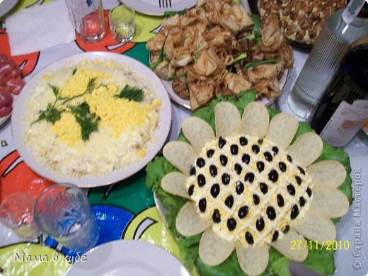 """салат """"Калы"""". Слоями: картошка, огурцы маринованые,крабовые палочки, яйцо, яблоки, сыр и промазать майонезом фото 4"""