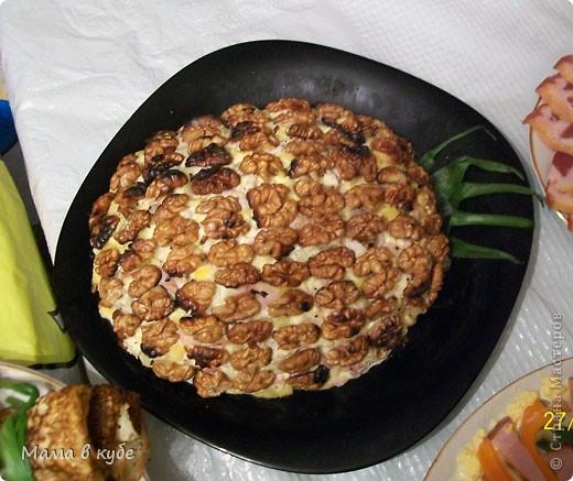 """салат """"Калы"""". Слоями: картошка, огурцы маринованые,крабовые палочки, яйцо, яблоки, сыр и промазать майонезом фото 3"""