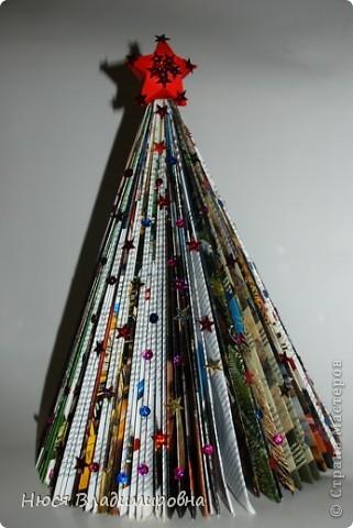 Мастер-класс Новый год Оригами ЕЛКА из ЖУРНАЛА   я ее слепила из того что было Бумага журнальная Бусины Пайетки фото 15