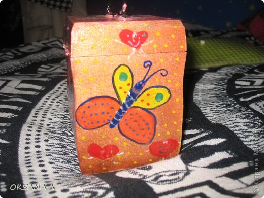Вот такую шкатулочку для украшений мы росписали красками вместе со старшей дочкой. фото 3