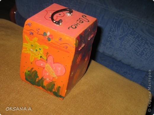 Вот такую шкатулочку для украшений мы росписали красками вместе со старшей дочкой. фото 5