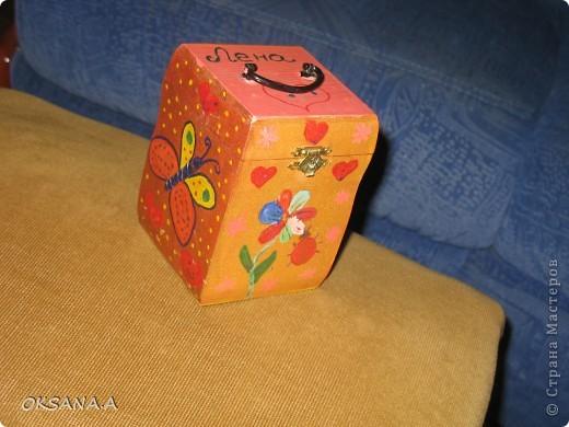 Вот такую шкатулочку для украшений мы росписали красками вместе со старшей дочкой. фото 7