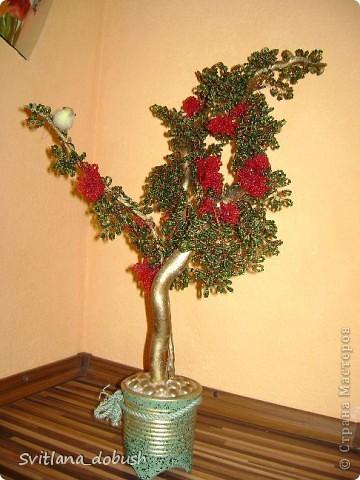 """Бісерне дерево (на дерев""""яних гілках,пофарбованих золотом,загіпсоване в горшок,який декорований камінцями) фото 2"""