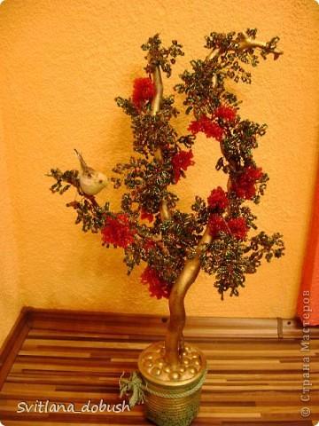 """Бісерне дерево (на дерев""""яних гілках,пофарбованих золотом,загіпсоване в горшок,який декорований камінцями) фото 3"""
