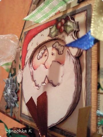 Давно вынашивала идею чего-нибудь подобного, и вот.... наконец-то сотворила.... вот такую елочку с сюрпризами для сыночков. Все  ярусы елочки открываются и там.... в маленьких коробочках сюрприз... фото 3
