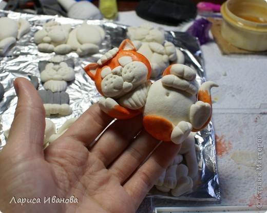 Мастер-класс Поделка изделие Новый год Лепка Роспись Коты-магниты МК по росписи Акварель Гуашь Тесто соленое фото 7