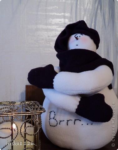 На улице холодно и снежно… Хочется праздника, поэтому решила пошить такого снеговичка. фото 28