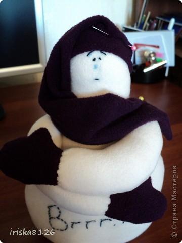 На улице холодно и снежно… Хочется праздника, поэтому решила пошить такого снеговичка. фото 22