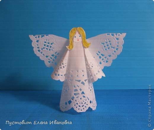Ангелок из бумажных  кондитерских салфеток :)))  фото 1