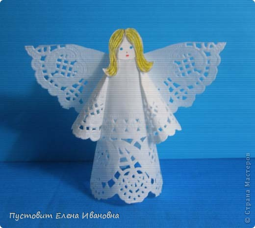 Ангелок из бумажных  кондитерских салфеток :)))  фото 4
