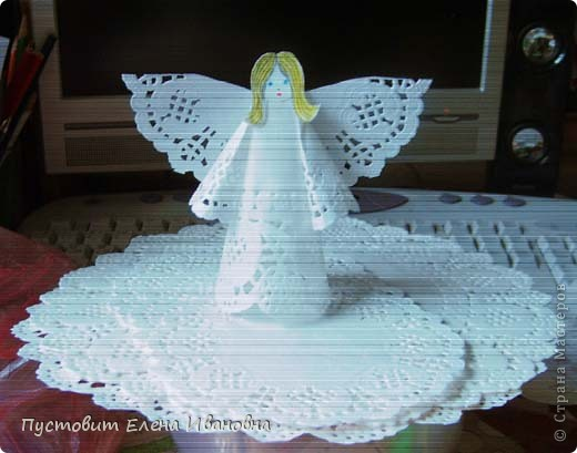 Ангелок из бумажных  кондитерских салфеток :)))  фото 6