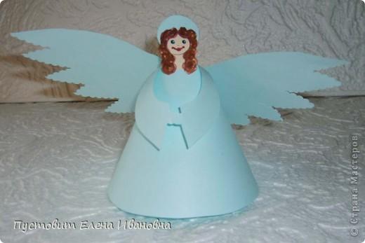 Ангелок из бумажных  кондитерских салфеток :)))  фото 9