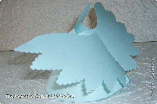 Ангелок из бумажных  кондитерских салфеток :)))  фото 11