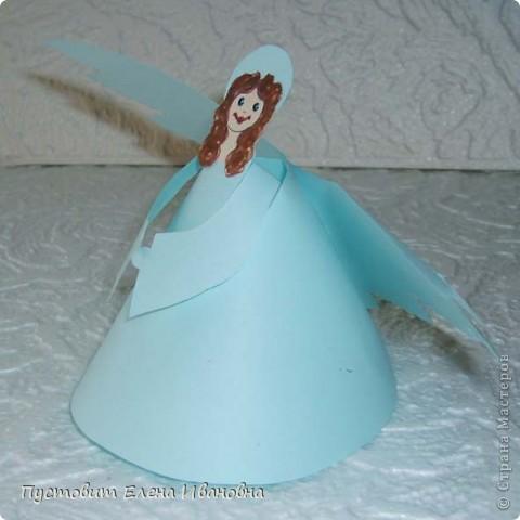 Ангелок из бумажных  кондитерских салфеток :)))  фото 10