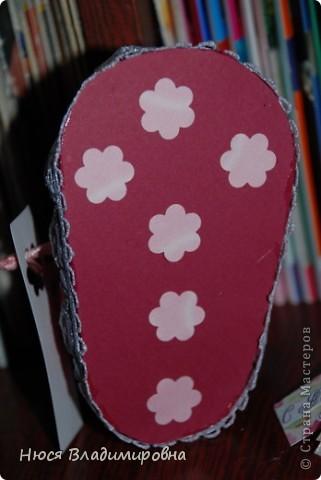 Парад пинеток - эти пинеточки очень распространены в Стране Мастеров, делаются быстро и с большим удовольствием!  В такие башмачки можно положить денежку, маленький подарочек или просто подарить в качестве открытки. Эту партию обуви - приготовила на продажу - надеюсь что каждая найдет своего малыша!  фото 17