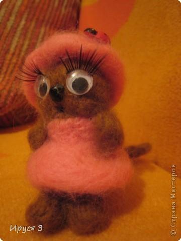 Кошечка - валяшечка (игрушку сваляла моя 8-летняя доченька Маришка ) фото 4