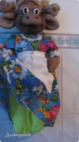 Это моя первая кукла. Сделала ее в подарок. Спасибо огромное Ликме за её подробные МК!Очень мне понравилась Зорька http://stranamasterov.ru/node/9601 вот и решила я вместо Бабы Яги сделать коровку. фото 4