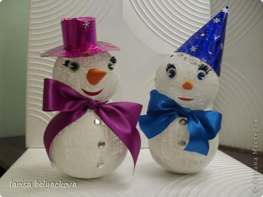 Увидела замечательных снеговиков у Юлии Занегиной  и решили сделать с детьми своих.Благодарю за прекрасную идею.