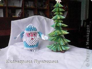 Подсмотрела в Стране мастеров и вместе с детьми сделали Деда Мороза и елочку для украшения классной комнаты фото 1