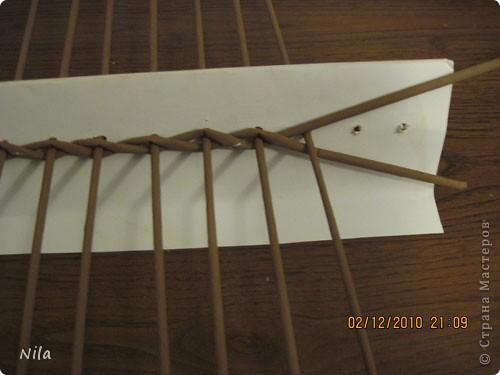 Мастер-класс Плетение Плетение квадратной прямоугольной  коробки Бумага газетная Трубочки бумажные фото 3