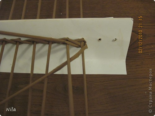 Мастер-класс Плетение Плетение квадратной прямоугольной  коробки Бумага газетная Трубочки бумажные фото 6