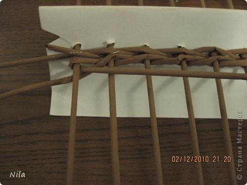 Мастер-класс Плетение Плетение квадратной прямоугольной  коробки Бумага газетная Трубочки бумажные фото 9
