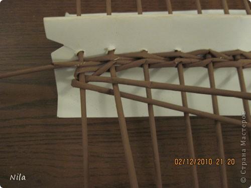 Мастер-класс Плетение Плетение квадратной прямоугольной  коробки Бумага газетная Трубочки бумажные фото 10