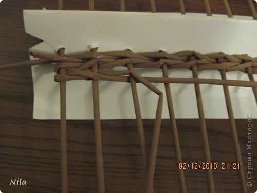 Мастер-класс Плетение Плетение квадратной прямоугольной  коробки Бумага газетная Трубочки бумажные фото 12