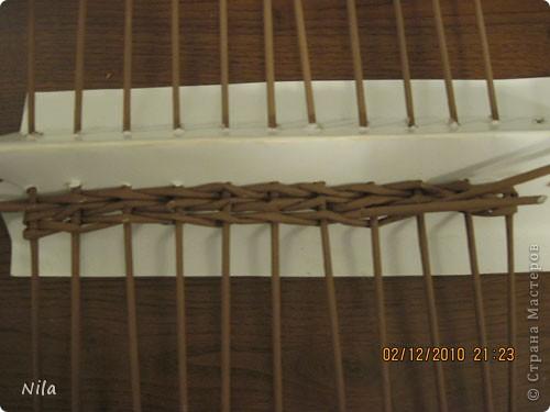 Мастер-класс Плетение Плетение квадратной прямоугольной  коробки Бумага газетная Трубочки бумажные фото 13