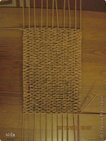 Мастер-класс Плетение Плетение квадратной прямоугольной  коробки Бумага газетная Трубочки бумажные фото 14
