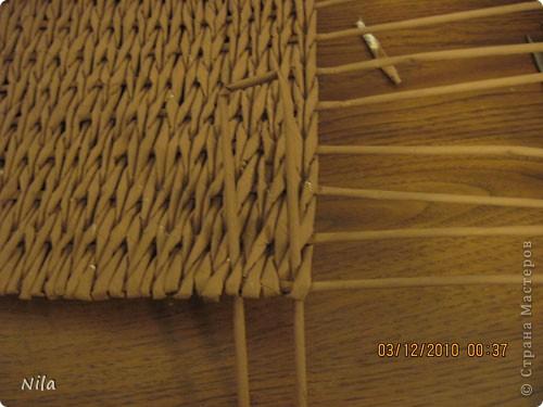 Мастер-класс Плетение Плетение квадратной прямоугольной  коробки Бумага газетная Трубочки бумажные фото 15
