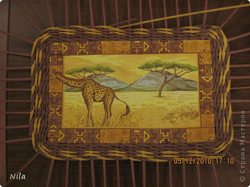 Мастер-класс Плетение Плетение квадратной прямоугольной  коробки Бумага газетная Трубочки бумажные фото 33
